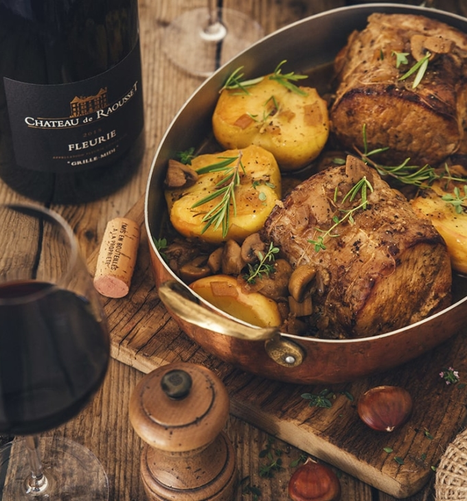 Pork roast with apples and chestnuts