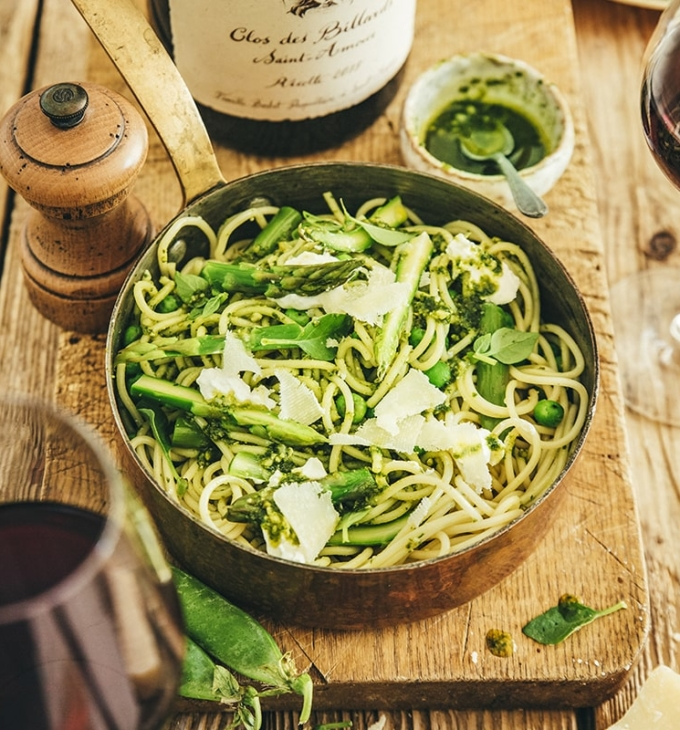 Spaghetti with green veggies, burrata and pistachio pesto